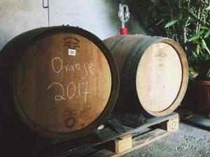 Orange Wine im Barrique vom Weingut Schönhals